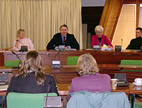 Richard Bacon MP chairs the meeting on the future of Cygnet House